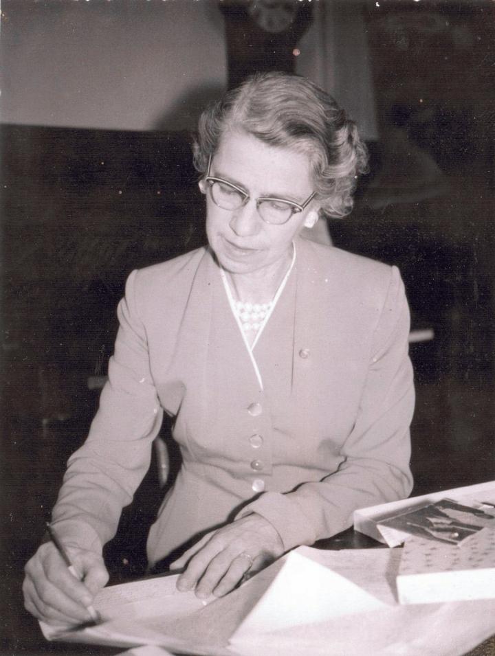 Laura B. Dixon (1960)